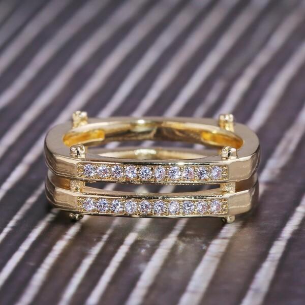 Стильное кольцо «Gedeon» красивой формы с цирконами и золотым покрытием купить. Цена 199 грн
