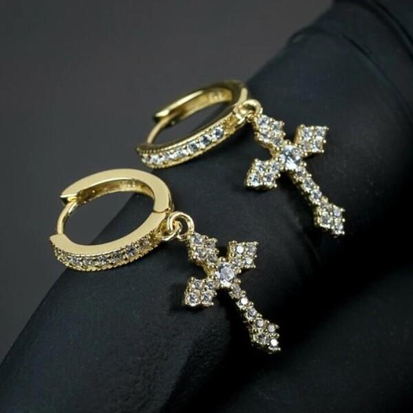 Стильные серьги-крестики «Валаам» с цирконами и покрытием под золото купить. Цена 195 грн
