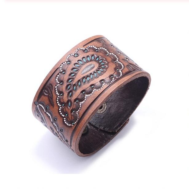 Светло-коричневый кожаный браслет на кнопке с восточным рисунком купить. Цена 175 грн