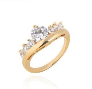 Необыкновенное кольцо в виде короны с бесцветными фианитами и высококлассной позолотой купить. Цена 175 грн или 550 руб.
