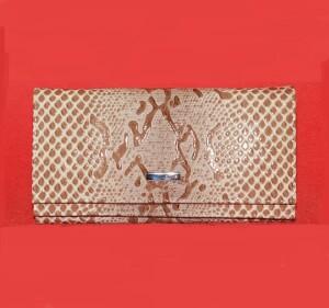 Очень функциональный кошелёк «Karya» из лаковой кожи со змеиной текстурой купить. Цена 1290 грн