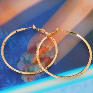 Средние серьги-кольца с напылением под жёлтое золото без камней и вставок фото 1