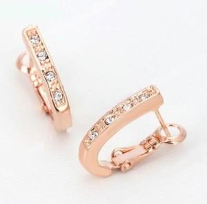 Обыкновенные серьги «Подкова золотая» (бренд-ITALINA) с кристаллами Swarovski и розовой позолотой купить. Цена 175 грн