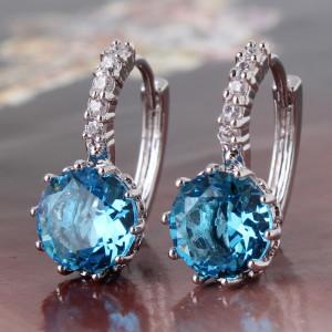 Нежные серьги «Василина» с круглым голубым фианитом и платиновым покрытием купить. Цена 175 грн или 550 руб.