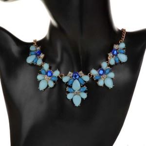 Привлекательное ожерелье «Мишель» из страз и синих и голубых камней в металле под золото фото 1