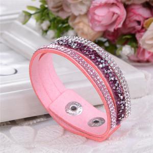 Нежный браслет «Фристайл» из искусственной замши с бесцветными и пурпурными стразами купить. Цена 89 грн или 280 руб.