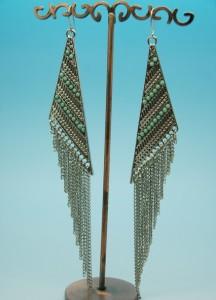 Банкетные серьги «Кинтана» из серебристого металла с цепочками и бирюзовым бисером фото. Купить