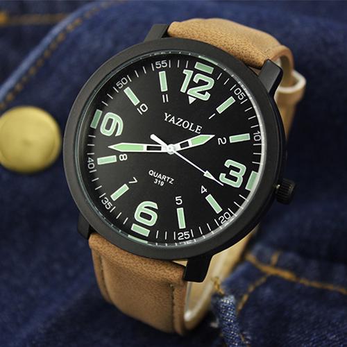 Крутые мужские часы «Yazole» с крупными цифрами на чёрном циферблате купить. Цена 299 грн