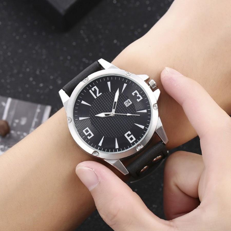 Крупные мужские часы «Quartz» с окошком даты и чёрным ремешком купить. Цена 375 грн