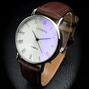 Обыкновенные часы «Geneva» с римскими цифрами на белом циферблате и коричневым ремешком купить. Цена 185 грн