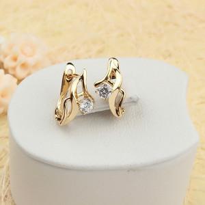 Миленькие серьги «Дюймовочка» с прозрачными фианитами и 18-ти каратным золотым покрытием купить. Цена 145 грн или 455 руб.