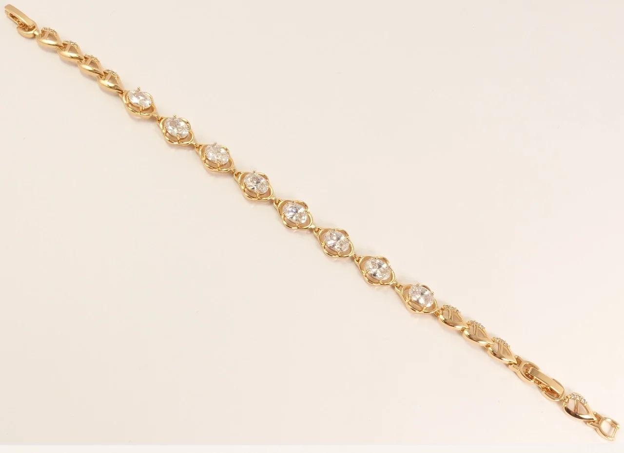 Позолоченный браслет «Монро» в классическом стиле с бесцветными камнями купить. Цена 299 грн