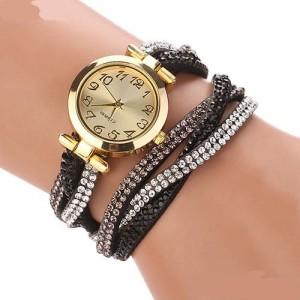 Классные молодёжные часы «Quartz» на длинном тройном ремешке с чёрными и белыми стразами купить. Цена 235 грн
