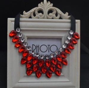 Богатое ожерелье «Гирлянда» с ярко-красными и бесцветными камнями фото. Купить