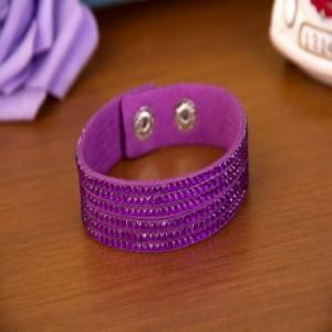 Мягкий браслет «Гламурка» фиолетового цвета в виде нескольких полос, покрытых стразами фото. Купить