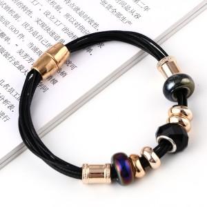Ультрамодный браслет «Кокетка» из чёрных шнурков с бусинками и магнитной застёжкой купить. Цена 99 грн или 310 руб.