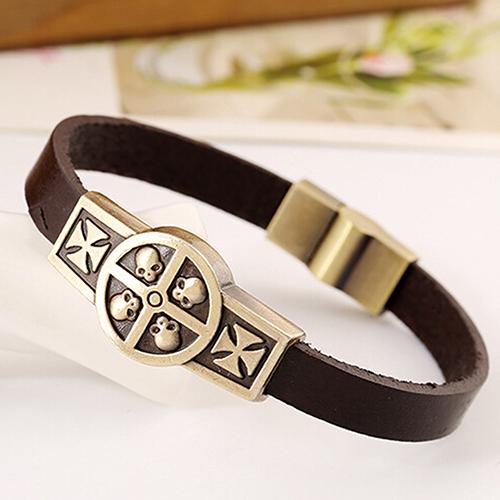 Крутой браслет из натуральной кожи с изображением черепов и с магнитной застёжкой купить. Цена 155 грн