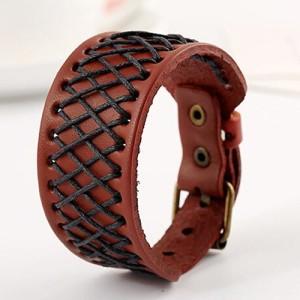Рыжий браслет из натуральной кожи с вплетёным чёрным вощёным шнурком фото. Купить