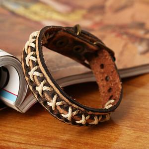 Ковбойский браслет из натуральной кожи с белыми крестиками из шнурка купить. Цена 110 грн