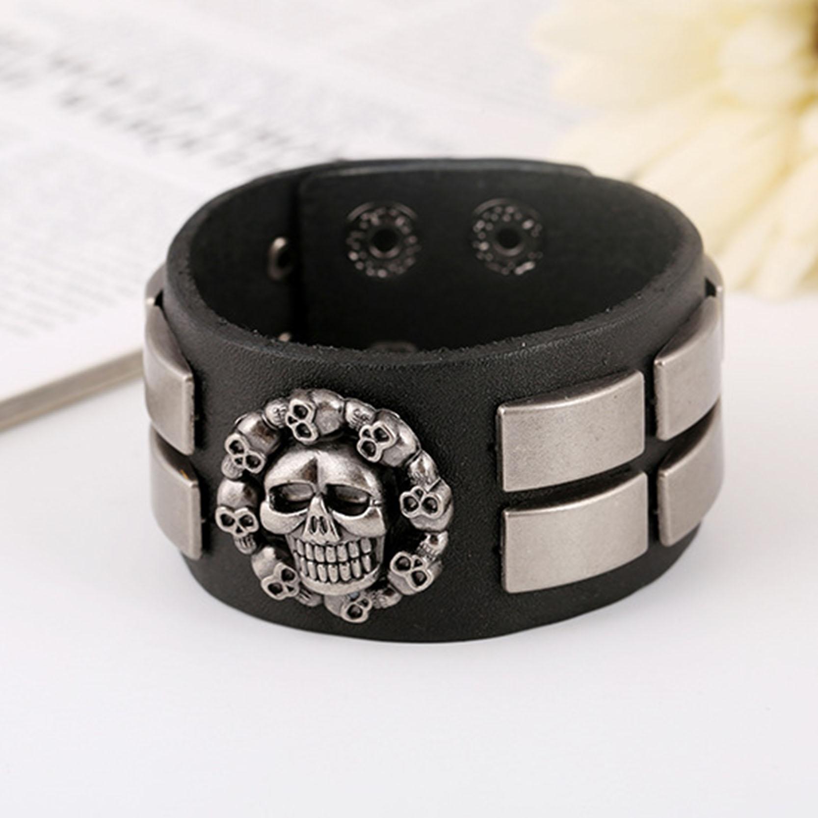 Потрясающий кожаный браслет на кнопке с крутыми вставками из металла купить. Цена 280 грн