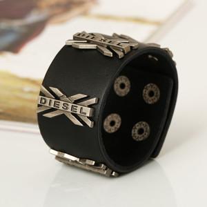Популярный браслет «DIESEL» из чёрной натуральной кожи с металлическими буквами «Х» купить. Цена 220 грн или 690 руб.