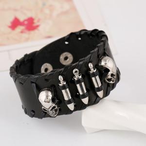Дизайнерский кожаный браслет с головами чудовища и металлическими патронами фото. Купить