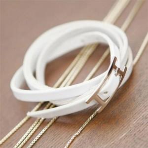 Очень длинный браслет ремешок белого цвета из искусственной замши с пряжкой фото. Купить