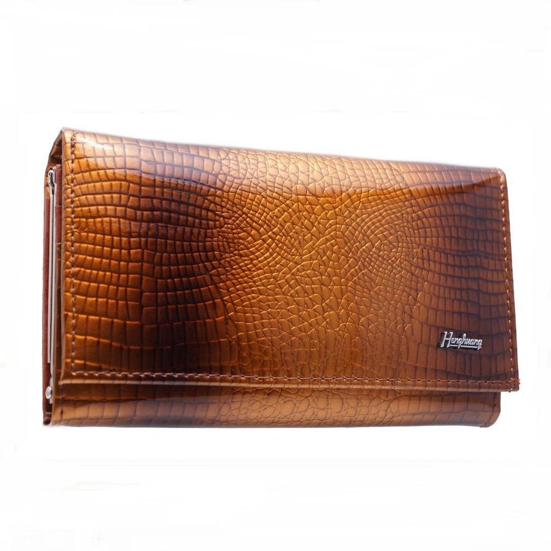 Среднего размера кошелёк «Henghuang» из лаковой кожи рыжего цвета купить. Цена 645 грн