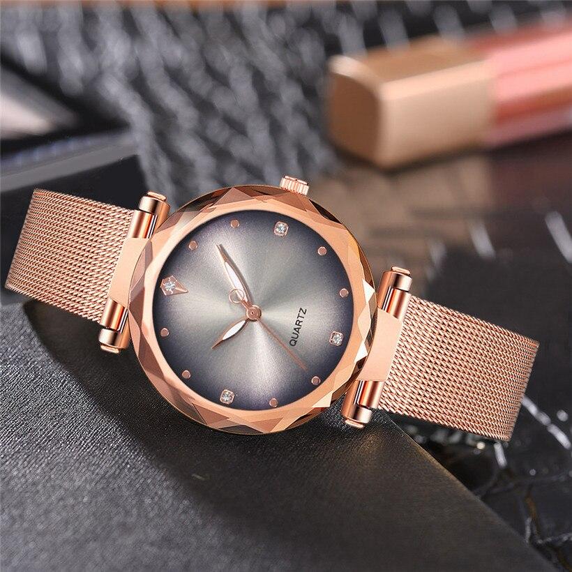 Женские наручные часы «Vansvar» золотого цвета с металлическим ремешком купить. Цена 335 грн