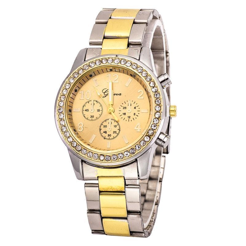 Металлические женские часы «Geneva» со стразами на корпусе и двухцветным браслетом купить. Цена 299 грн