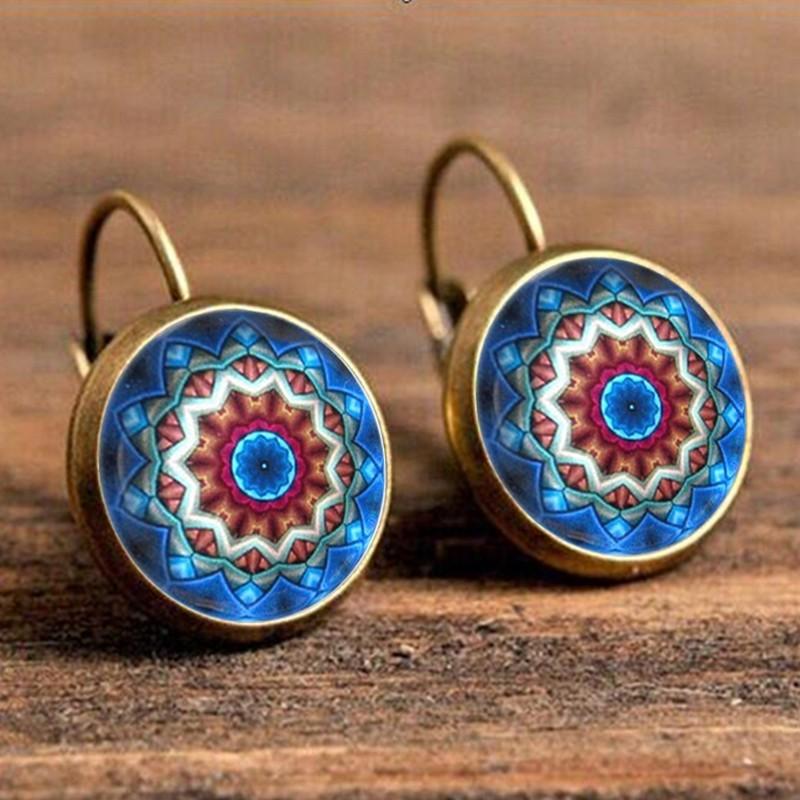 Разноцветные серьги «Lotus Charm» с магическим рисунком в оправе под бронзу купить. Цена 125 грн