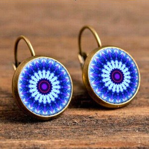 Яркие серьги «Lotus Charm» круглой формы в индийском стиле купить. Цена 125 грн