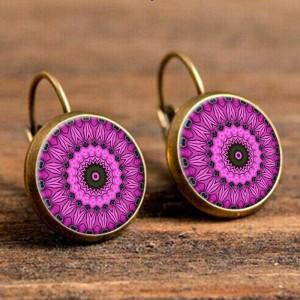 Великолепные серьги «Lotus Charm» со вставкой розового цвета с узором купить. Цена 125 грн
