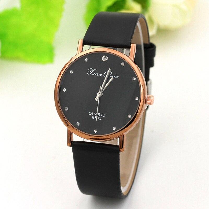 Простые женские часы с чёрным циферблатом со стразами и чёрным ремешком купить. Цена 175 грн