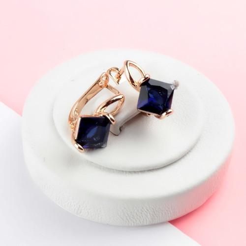 Миловидные серьги «Эсмеральда» с синим цирконом и покрытием из натурального золота купить. Цена 175 грн
