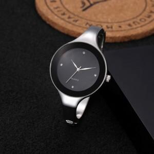 Металлические часы «Sanwood» серебрянного цвета в виде браслета с чёрным циферблатом фото. Купить