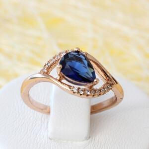 Милое кольцо «Амадина» с синим цирконом в форме капли в позолоченной оправе купить. Цена 195 грн