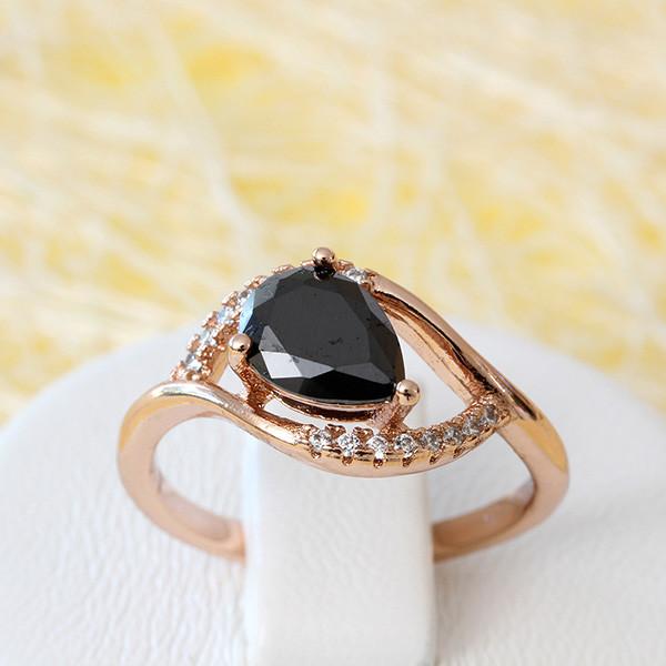 Загадочное кольцо «Амадина» с чёрным кристаллом в позолоченной оправе купить. Цена 195 грн