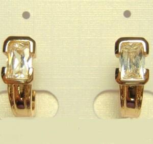 Симпатичные серьги «Модерн» с прямоугольным камнем и позолотой купить. Цена 135 грн