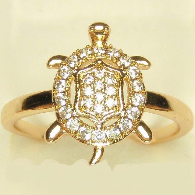 Необычное кольцо «Черепашка» с мелкими фианитами и золотым покрытием купить. Цена 185 грн