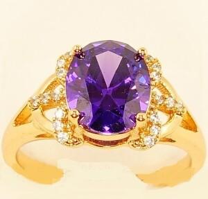 Магическое кольцо «Виконт» с крупным фиолетовым цирконом и в оправе из позолоты купить. Цена 185 грн