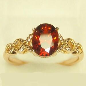 Симпатичное кольцо «Янина» с красным фианитом и позолотой купить. Цена 145 грн