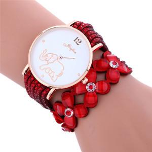 Недорогие красивые часы с длинным многорядным красным ремешком и стразами купить. Цена 255 грн