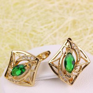 Миловидные серьги «Эмилия» с зелёным камнем и покрытием из золота купить. Цена 199 грн