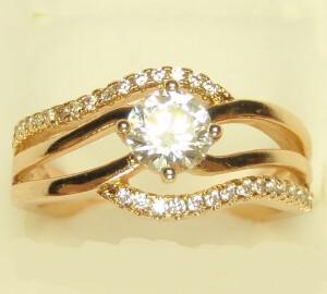 Изумительное кольцо «Полина» изящной формы с золотым напылением купить. Цена 175 грн