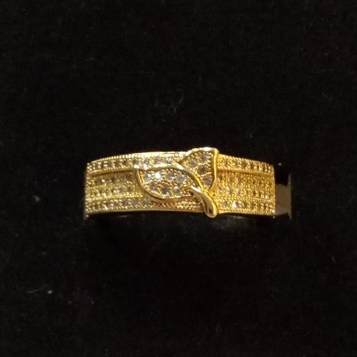 Красивое кольцо «Леонора» с прозрачными цирконами и позолотой купить. Цена 235 грн