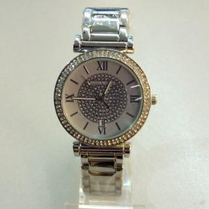Копия модных часов «Michael Kors»  с красивым серебряным браслетом и корпусом в стразах фото. Купить