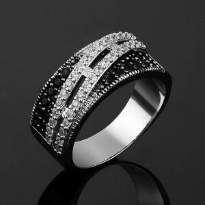 Прекрасное кольцо «Калькутта» с платиновым покрытием и швейцарскими цирконами купить. Цена 235 грн