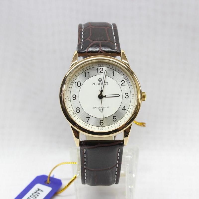 Качественные часы «Perfect» в ретро стиле с арабскими цифрами и кожаным ремешком купить. Цена 440 грн