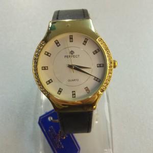 Кварцевые часы «Perfect» со стразами на белом циферблате и чёрным ремешком фото. Купить